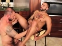 Muscle gay ass to mouth and cumshot
