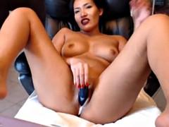 1052 Hot Asian girl cumming