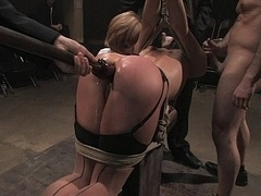Bondage, Domination, Groupe, Orgie, Public, Punition, Esclave, Attachée