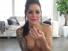 Exceptional actress gives wonderful blowjob at a stretch