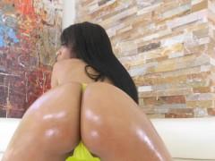 Busty ebony Brittney White has a huge booty