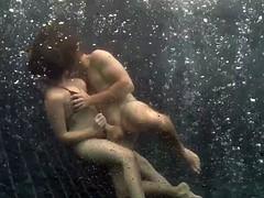 underwater sex  -munching on melanie