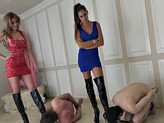 Mistresses-Club Ballbusting