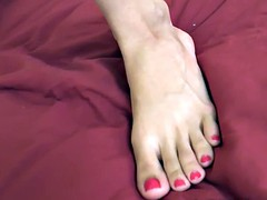 Cute Teen Receives Cumshot on Her Sexy Feet