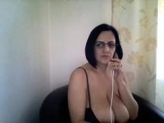 amateur ginetta 21 flashing boobs on live webcam