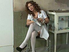 Gros seins, Médecin, Italienne, Lingerie, Infirmière, Rousse roux, Uniforme, Sous la jupe
