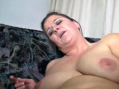 Mature german wench fuck dildo