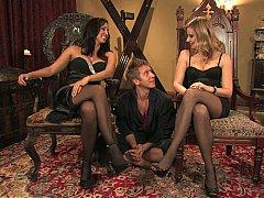Blonde, Femelle, Femme dominatrice, 2 femmes 1 homme, Groupe, Maîtresse, Jarretelles, Plan cul à trois