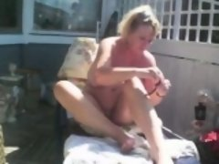 goldenpussy shaving outdoors