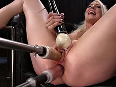 lorelei lee gets her pussy and bumhole toyed by fucking machine simultaneously