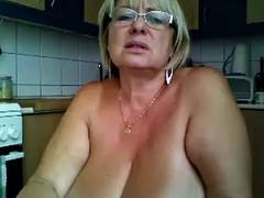 gilf goes wild on webcam