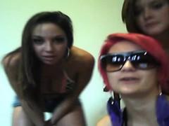 young girl nice dance on 99teencams dot com