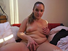 plump girl wants to show off her shaved pussy