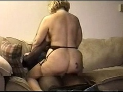 She Gets A Cummy Pussy