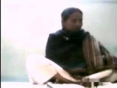 Indian Local aunty Mithrali getting fucked by her customer on vid