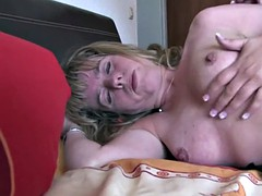 ganzgeil.com sexy german lesbians sharing a long toy