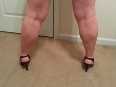 slut Lateshay black mini and also heels