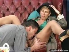 Nasty brunette housewife gets her shaggy element6