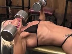 Female Bodybuilder Nathalie Looks Amazing