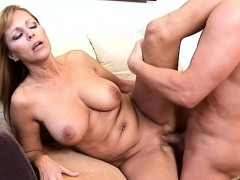 Gorgeous older gives cunt for licking and hardcore nailing