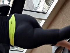 Candid Arabic Gym Booty in Motion
