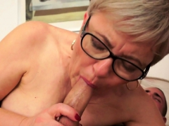 Spex granny jizzed in mouth after fucking