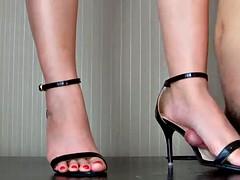 Asiatique, Bondage domination sadisme masochisme, Pieds, Femme dominatrice, Fétiche des pieds