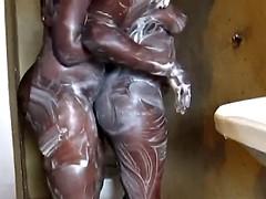 Grosse titten, Schwarz, Schwarz, Fingern, Lesbisch, Masturbation, Dusche