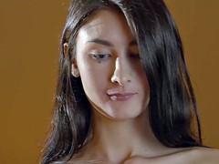Brunette brune, Doigter, Hard, Embrassement, Lesbienne, Lingerie, Masturbation, Nénés