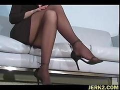 Office whore Faith Leon in stockings
