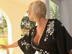 Gros seins, Blonde, Femelle, Lunettes, Hard, Femme au foyer, Mère que j'aimerais baiser, Réalité