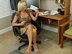 Grosse titten, Blondine, Frau, Absätze, Reif, Büro, Rock, Lehrer