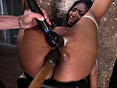 curvy black slave chick chanell heart has no other choice but to cum hard
