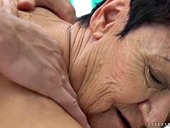 Abuelita, Al aire libre