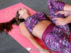 PUREMATURE Athletic cougar humped By Trainer inwards Home Gym