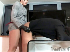 female domination Strapon3