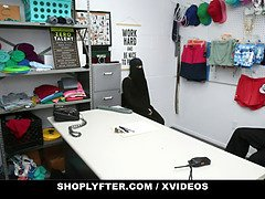 Muslim shoplifter (delilah day) caught piling expensive merch under her hijab