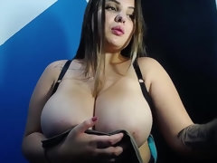 Curvy hottie boasts with her huge boobs on webcam
