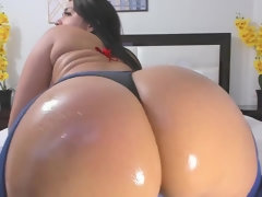 Twerking That Big Fat Ass Just For You